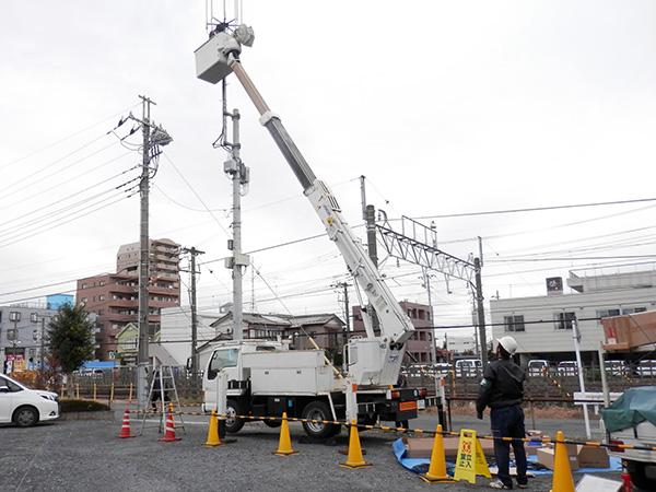 モバイルアンテナ支柱設置工事01